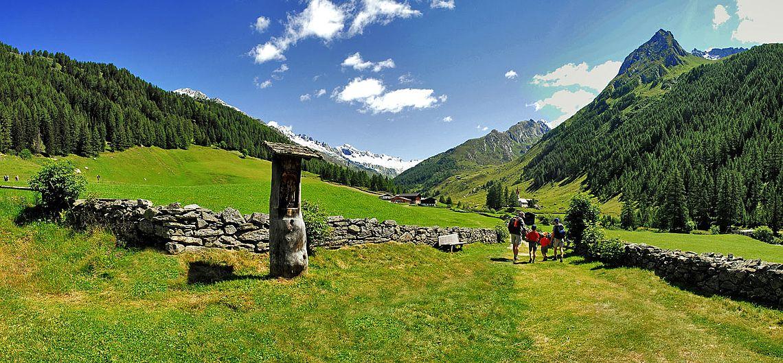 Vacanze escursionistiche nel mondo estivo della valle - Hotel valle aurina con piscina ...